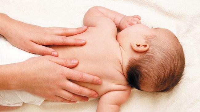 Hướng dẫn nhanh 7 bước massage cho em bé của bạn