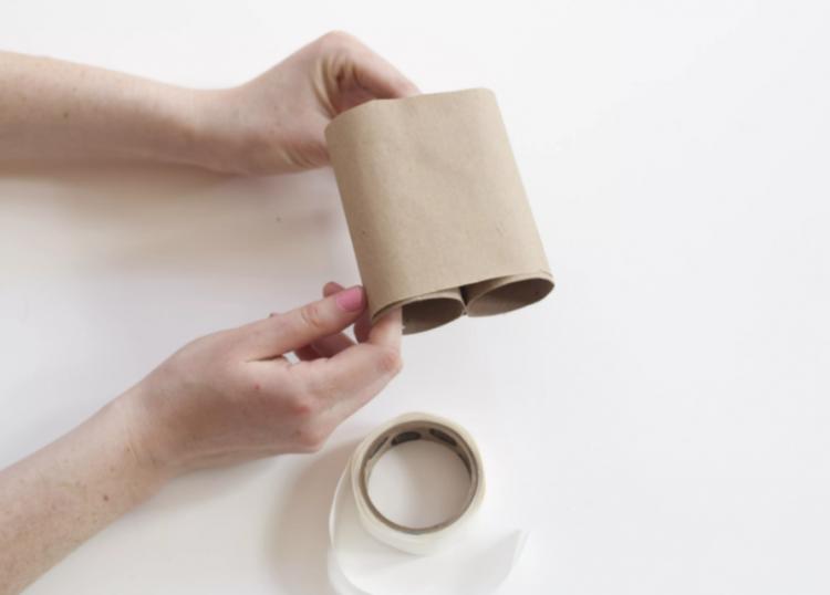 Gói các cuộn bằng giấy