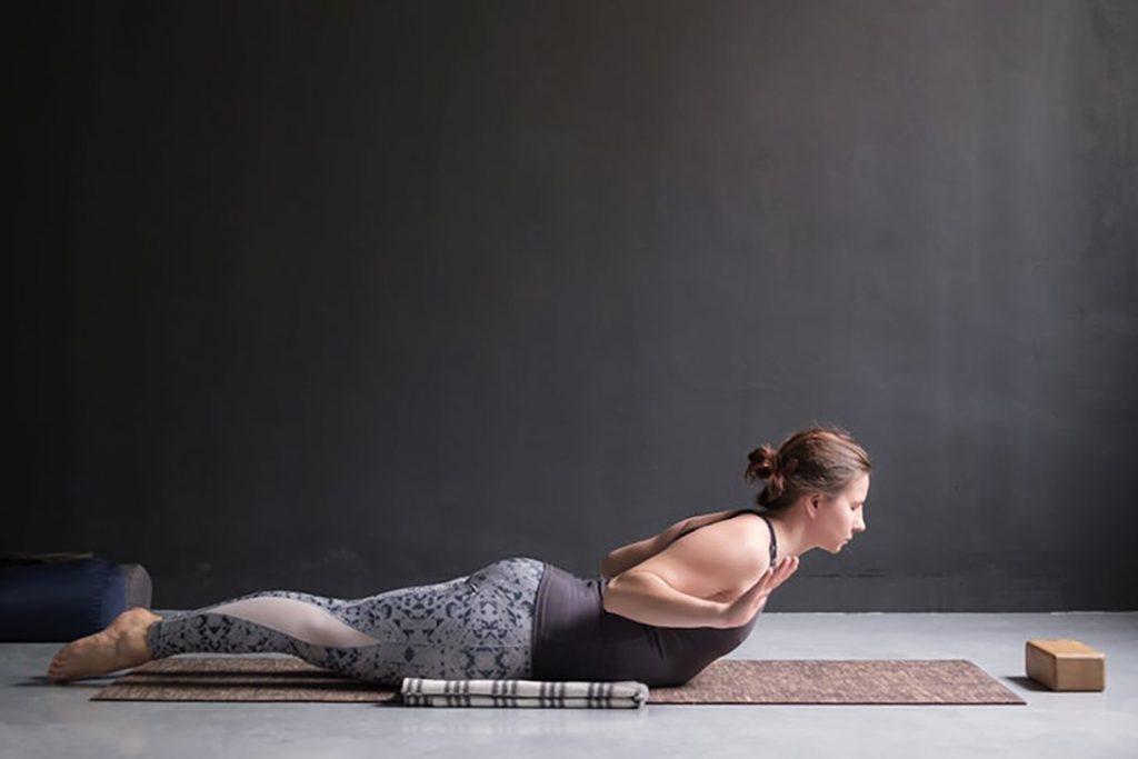 Thư giãn cùng 3 bài tập yoga đơn giản, nhẹ nhàng giúp bạn có giấc ngủ ngon hơn