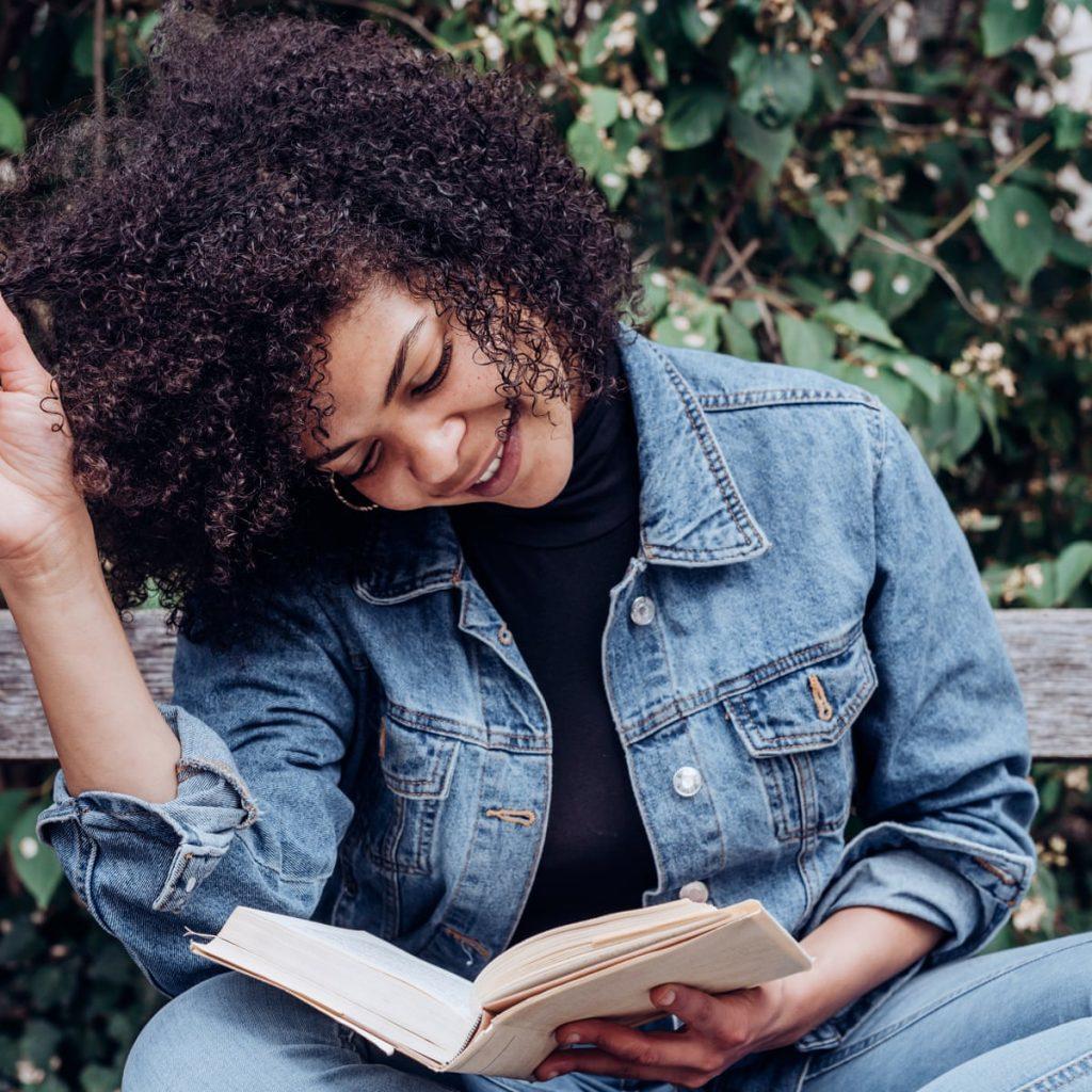 Lợi ích của việc đọc sách: Giảm căng thẳng