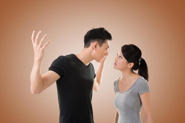 3 lời khuyên chí mạng có thể giết chết tình yêu của vợ chồng bạn