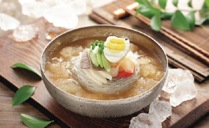 Đi Hàn Quốc ăn gì? Khám phá ngay top 3 món ăn ngon nhất tại xứ sở kim chi!