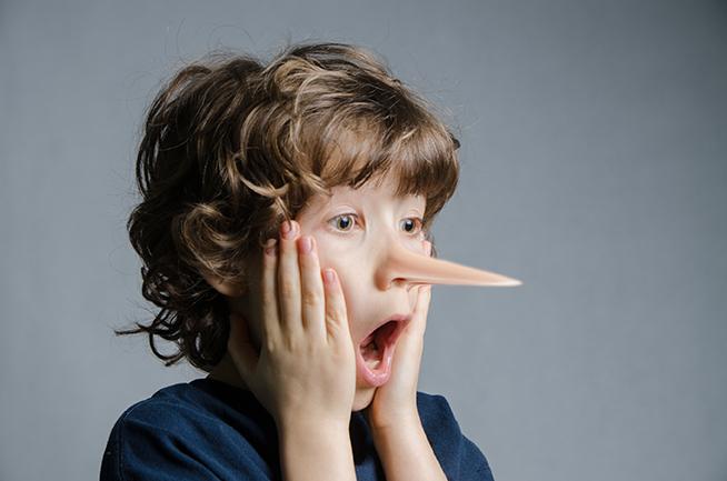 Giúp cha mẹ phát hiện những biểu hiện trẻ nói dối để có cách giáo dục tốt nhất