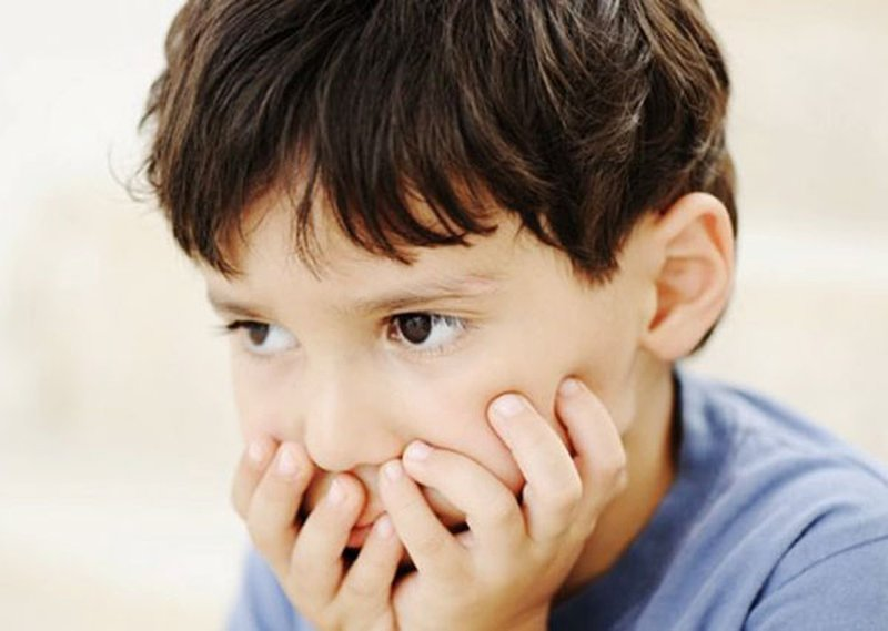 Trẻ chậm nói cha mẹ cần làm gì để động viên con?