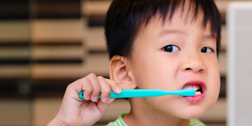 Những điều bố mẹ cần biết để chăm sóc trẻ sâu răng, giúp con có hàm răng khỏe mạnh